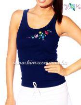 Elején hímzett kalocsai mintás trikó - kék (S, M, L) - Hímzésmánia