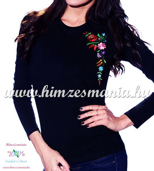 Hosszú ujjú fekete női póló kalocsai hímzéssel - Hímzésmánia