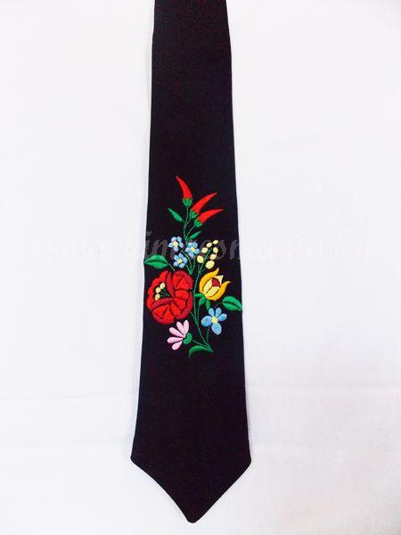 Kalocsai hímzett nyakkendő - fekete