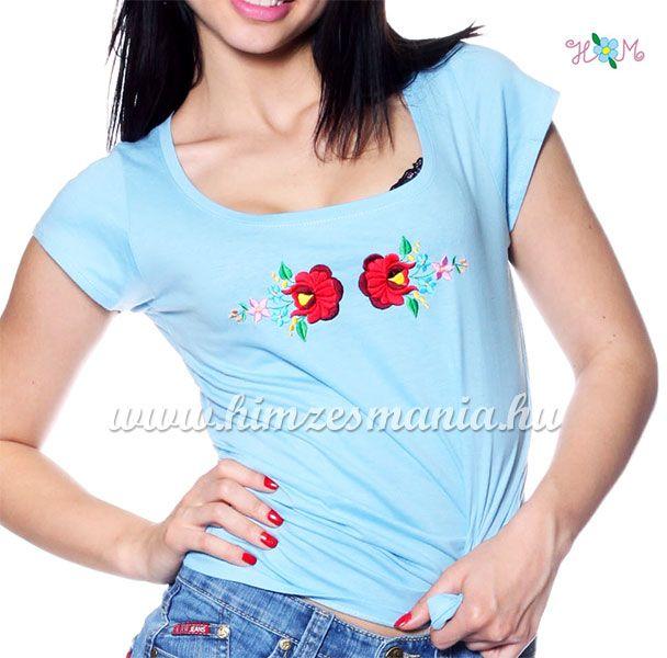 Hímzett kalocsai rózsás póló - világoskék (M) - Hímzésmánia