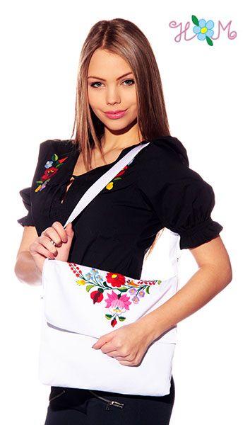 Kézzel hímzett kalocsai mintás táska 1 - fehér