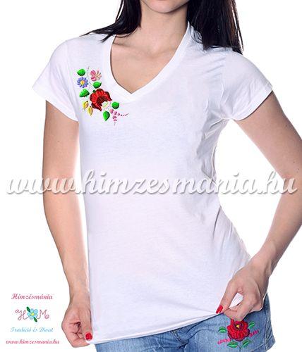 V-nyakú fehér női póló kalocsai hímzéssel - Hímzésmánia