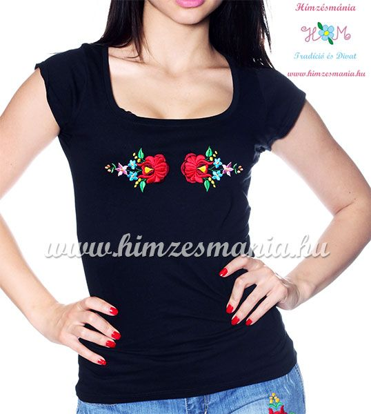 Hímzett kalocsai rózsás póló - fekete - Hímzésmánia