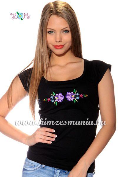 Hímzésmánia - hímzett kalocsai rózsás póló - fekete (S)