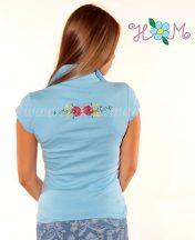 Hímzésmánia - elején-hátulján hímzett matyó mintás női galléros póló - világoskék