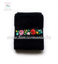 Fekete kéztörlő, törölköző, fürdőlepedő színes kalocsai motívummal - gép hímzés